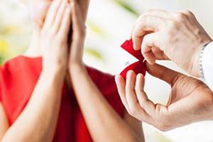 Значение Альгиз в любви